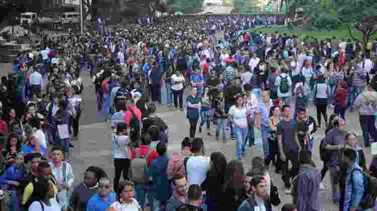 Estimativa é que mais de 15 mil pessoas aguardaram em fila no Mutirão do Emprego no centro de São Paulo - Willian Moreira/Futura Press/Estadão Conteúdo