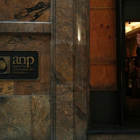 Logo da ANP no edifício que sedia a agência, no Rio de Janeiro - Pilar Olivares/Reuters