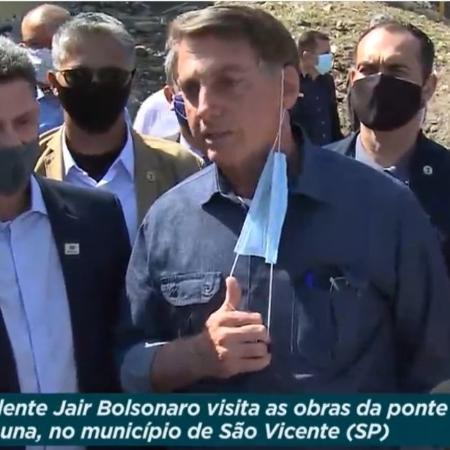 O presidente Jair Bolsonaro (sem partido) em São Vicente - Reprodução