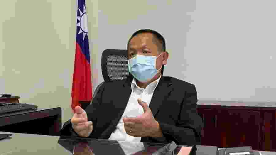 O chefe do Escritório Econômico e Cultural de Taipei no Brasil, diplomata Tsung-Che Chang, em entrevista ao UOL - Antonio Temóteo/UOL