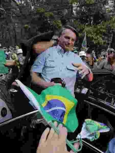 O presidente Jair Bolsonaro chega à Avenida Paulista para discursar a apoiadores - Andre Lucas/UOL - Andre Lucas/UOL