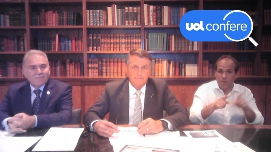16.set.2021 - O presidente Jair Bolsonaro participa de live ao lado do ministro da Saúde, Marcelo Queiroga (à esquerda na imagem) - Arte sobre reprodução/YouTube