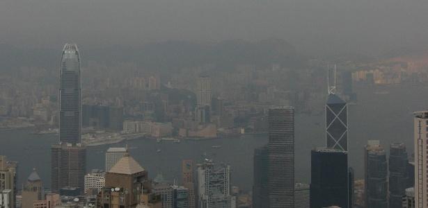 Poluição atmosférica aumenta chance de morte por câncer; na foto, Hong Kong