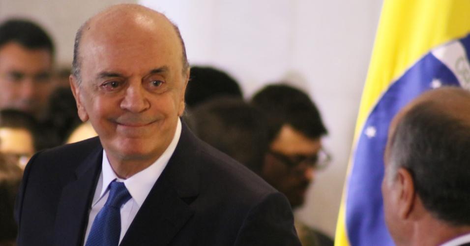 """17.mai.2016 - José Serra (PSDB) toma posse como ministro das Relações Exteriores no palácio Itamaraty, em Brasília. Serra assumiu o cargo dizendo que a política externa brasileira passará a """"atender à socidade, e não a um partido"""""""