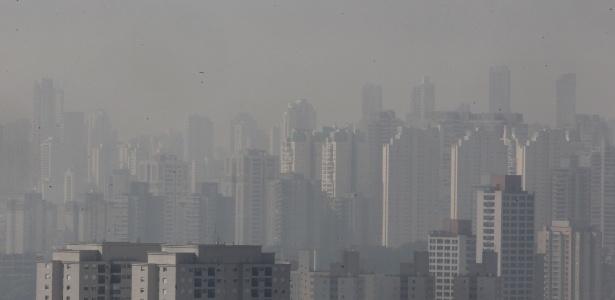 Tempo seco deixa poluição visível em São Paulo