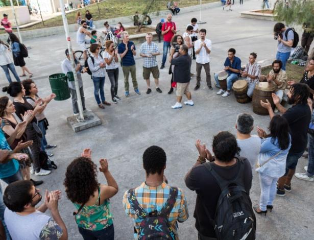Roda de jongo na praça Roosevelt, em repúdio a declarações do comandante da Rota - Rogério de Santis/Futura Press/Estadão Conteúdo