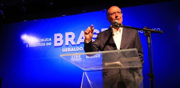 20.nov.2017 - O governador de São Paulo, Geraldo Alckmin (PSDB), participa de palestra sobre gestão pública realizada no Paço Alfândega, no Recife