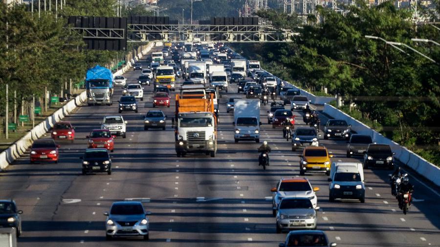 Trânsito na Marginal Pinheiros - ALOISIO MAURICIO/FOTOARENA/FOTOARENA/ESTADÃO CONTEÚDO