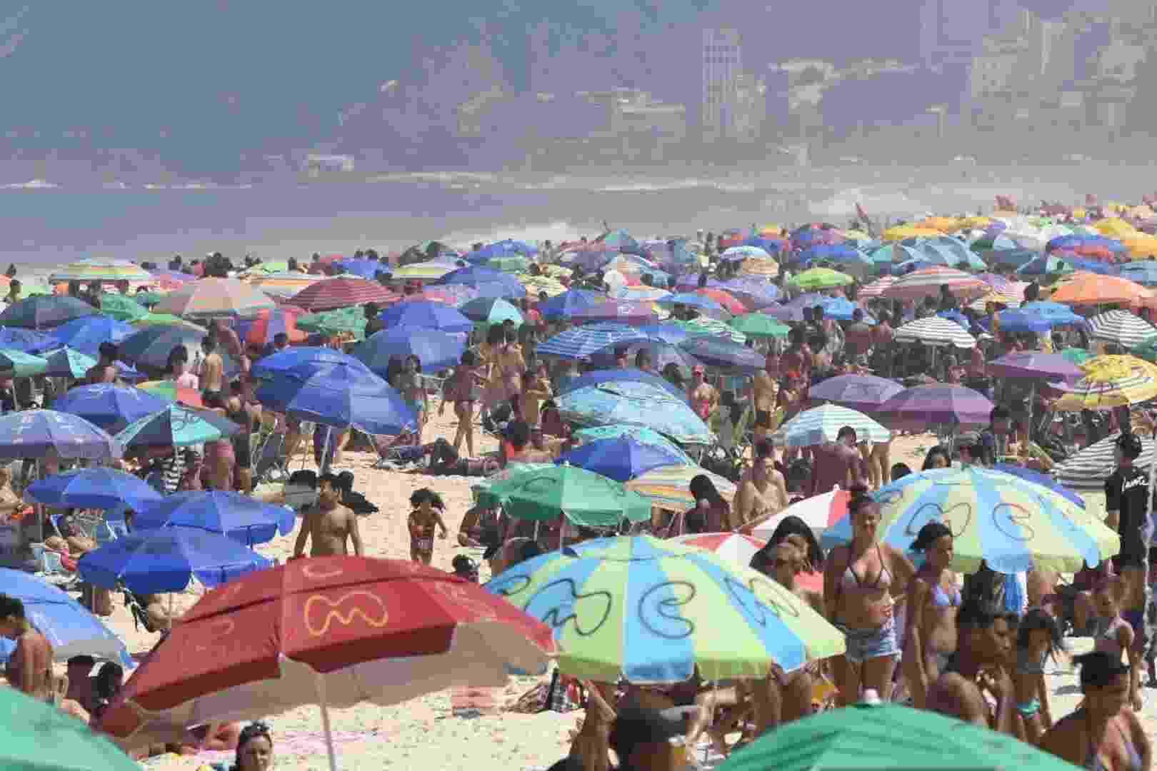 Movimentação na Praia de Ipanema no Rio de Janeiro,  (RJ), na manhã deste domingo (06). 06/09/2020 - Foto: GABRIEL BASTOS/FUTURA PRESS/FUTURA PRESS/ESTADÃO CONTEÚDO - GABRIEL BASTOS/ESTADÃO CONTEÚDO