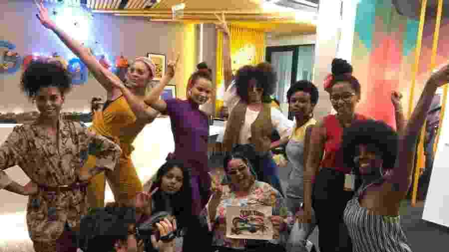 Grupo de profissionais negros e aliados do Google, chamado de AfroGooglers, durante festa de Halloween na empresa - Arquivo pessoal