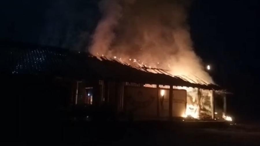Imagens do incêndio na Terra Indígena Xakriaba foram reproduzidas nas redes sociais - REPRODUÇÃO