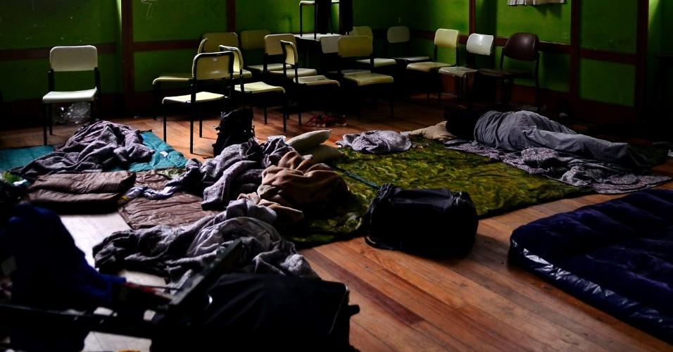 Dormitório improvisado em sala de aula na ocupação da Escola Estadual Caetano de Campos. Os alunos protestam contra a reorganização proposta pela Secretaria de Educação do Estado
