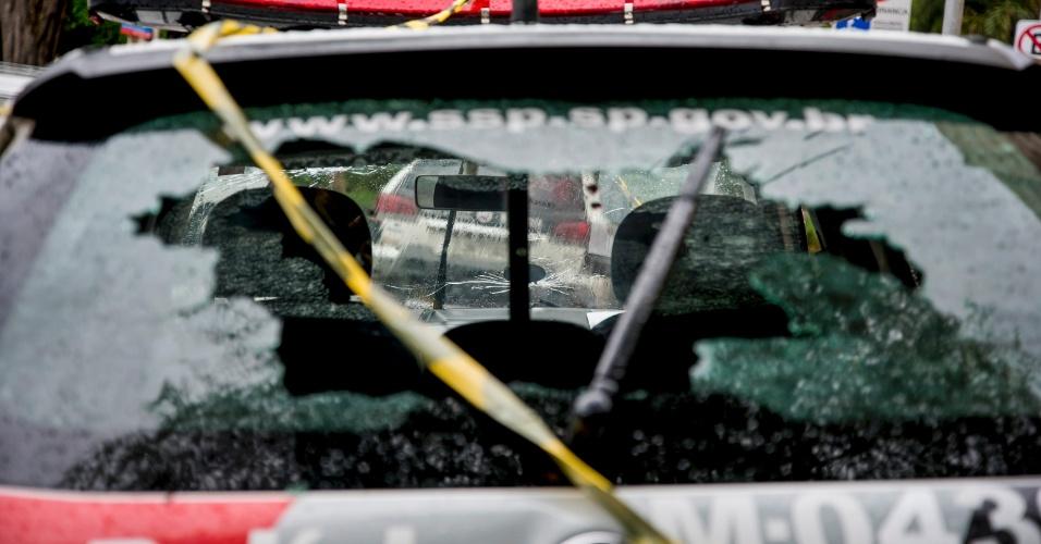 25.out.2016 - Uma tentativa de assalto a uma agência do Santander na Água Branca, zona oeste de São Paulo, terminou em tiroteio na madrugada desta terça-feira.A quadrilha foi surpreendida pela Polícia Militar, que fazia uma ronda na região, e houve troca de tiros