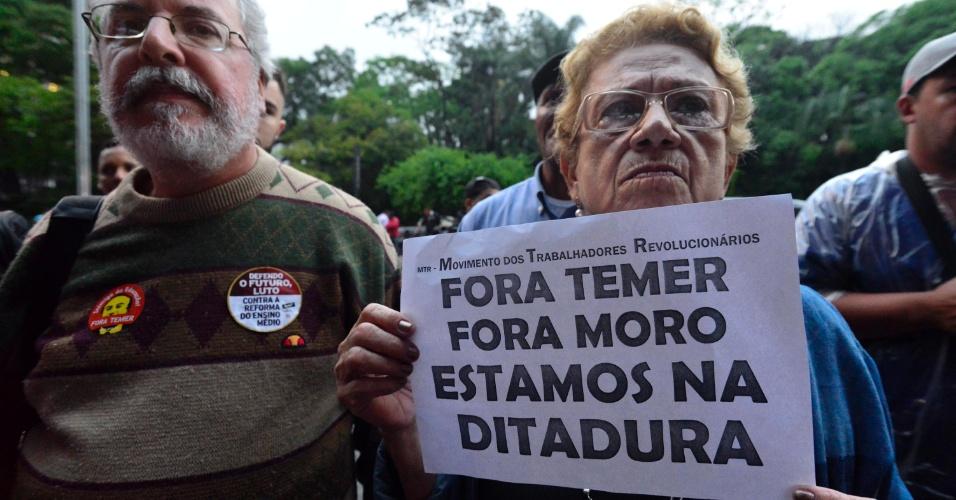 anifestantes reúnem-se no vão livre do Museu de Arte de São Paulo (Masp), na Avenida Paulista, em São Paulo, para protestar contra a PEC 241