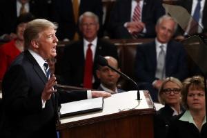 Análise: É improvável que democratas e Trump trabalhem juntos por uma lei de saúde (Foto: Win McNamee/Getty Images/AFP)