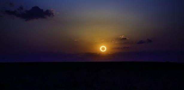 No eclipse solar anular, a Lua encobre apenas o centro do Sol