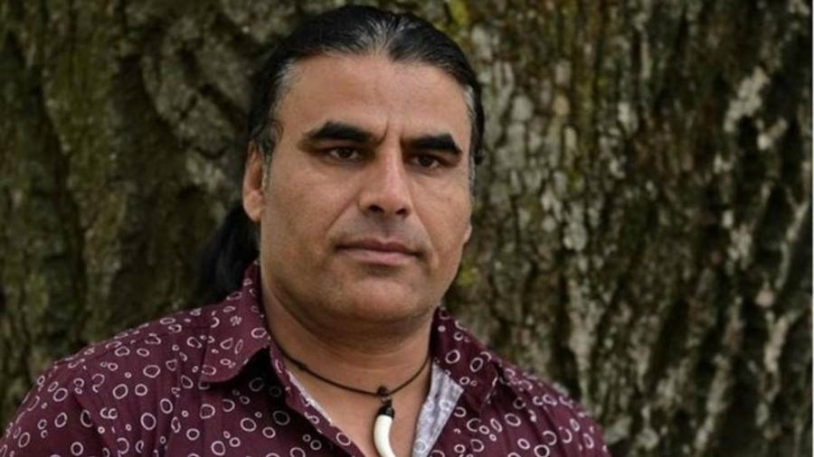 Abdul Aziz diz ter perseguido o atirador com uma maquininha de cartão de crédito  - AFP
