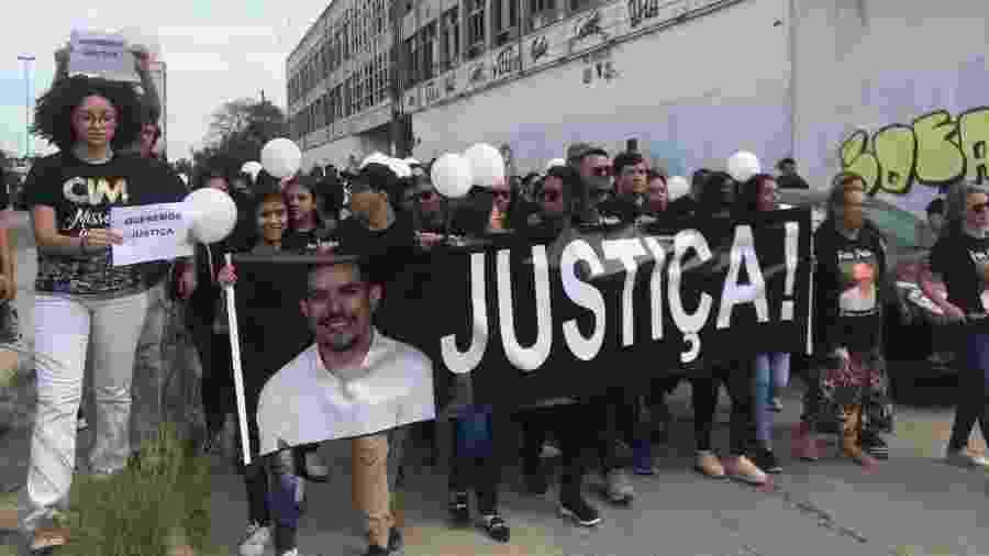 Ato pede justiça para o caso e questiona o desaparecimento do celular do pastor Anderson do Carmo - Marina Lang/UOL