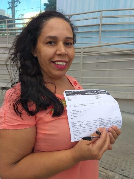 Maria Bernadete de Goes, 43, é empregada doméstica e quer cursar gastronomia: mudança de vida pelo estudo - Aliny Gama/ UOL