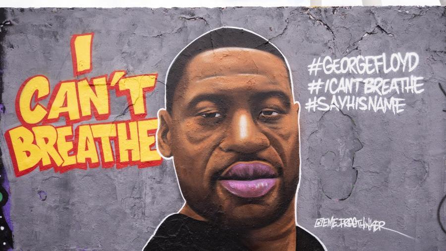 """Graffiti na Alemanha homenageia George Floyd, que morreu em ação policial após dizer """"Não consigo respirar"""" - Abdulhamid Hosbas/Anadolu Agency via Getty Images"""