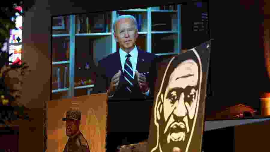 O democrata Joe Biden, que disputa com Trump a presidência dos EUA em novembro, discursou por vídeo no funeral de Floyd - Getty Image