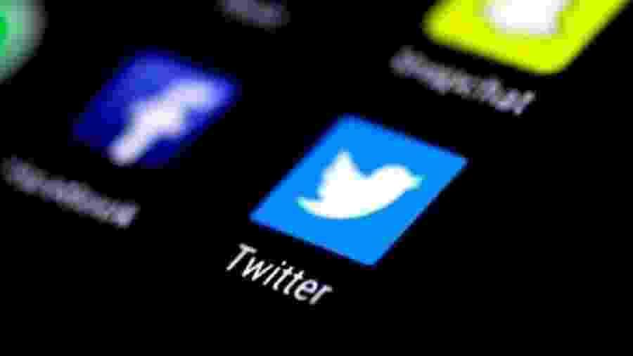 Facebook, Twitter e aplicativos como o WhatsApp têm sido terreno fértil para informações falsas sobre covid-19 - Reuters