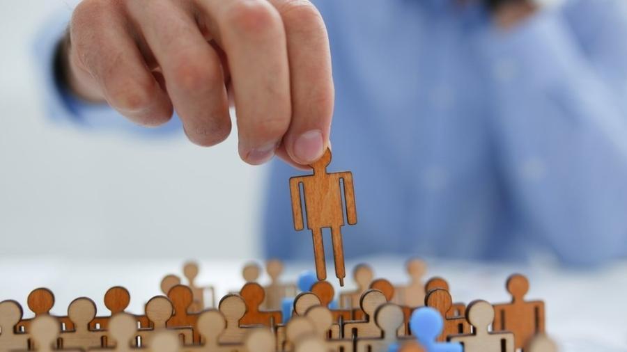 Taxa de participação na força de trabalho caiu de 61% para 56% - Getty Images