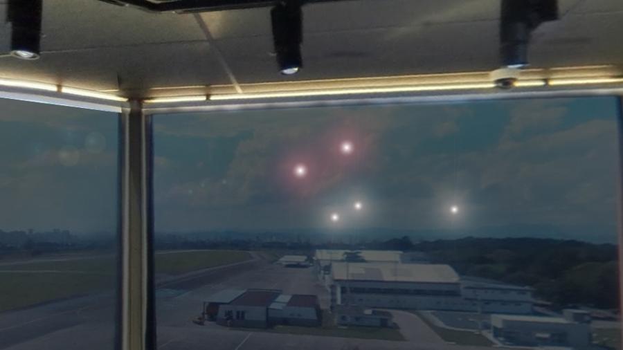 """Luzes vistas da torre de controle do aeroporto de São José dos Campos (SP), na """"noite oficial dos óvnis"""" - Divulgação/Jackson Luiz Camargo"""