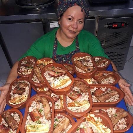 Rejane Santos, 49, começou a vender comidas nordestinas para se sustentar na pandemia - Arquivo pessoal