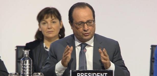 """Hollande lembra atentados e pede para países aprovarem """"acordo histórico"""" em Paris - Reprodução"""