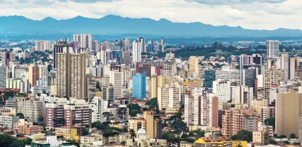 Paisagem urbana de Curitiba (PR), a primeira colocada em ranking de desenvolvimento sustentável das regiões metropolitanas brasileiras