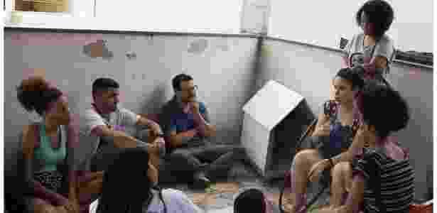 Jovens participam de um dos debates do festival TodoJovemÉRio, sobre política, na comunidade Cesarão, no Rio de Janeiro - Divulgação