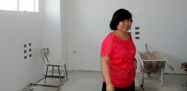 Elizabeth Tae Kinashi acompanha as obras do Hospital Evangélico, em Curitiba, Paraná