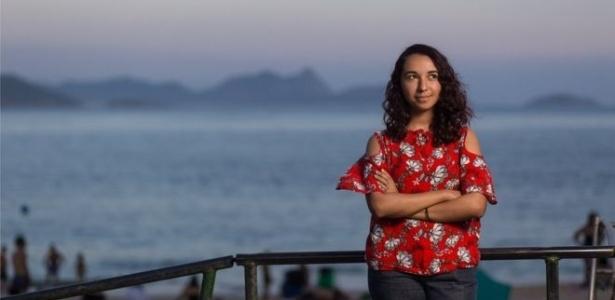A estudante Bárbara da Costa viajou para o Rio para fazer matrícula com passagem comprada com as milhas de um professor