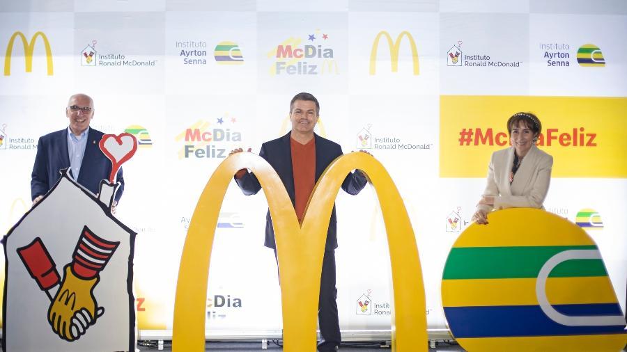 Chico Neves, superintendente do Instituto Ronald McDonald; Paulo Camargo, presidente da Divisão Brasil da Arcos Dorados e Viviane Senna, presidente do Instituto Ayrton Senna, durante o evento de lançamento, em São Paulo - Divulgação