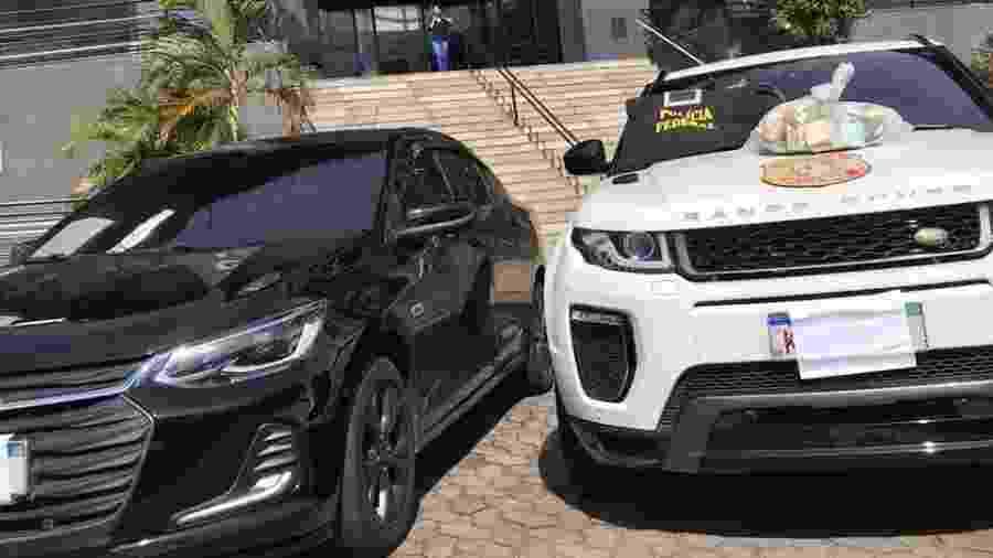 Polícia apreendeu dois carros de luxo em propriedade em que traficante foragido estava escondido - Divulgação/Polícia Civil