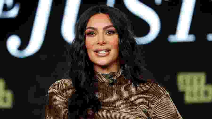 Kim Kardashian relembrou atuação do pai na defesa de ex-jogador de futebol americano, enquanto a mãe acreditava nos familiares das vítimas - MARIO ANZUONI