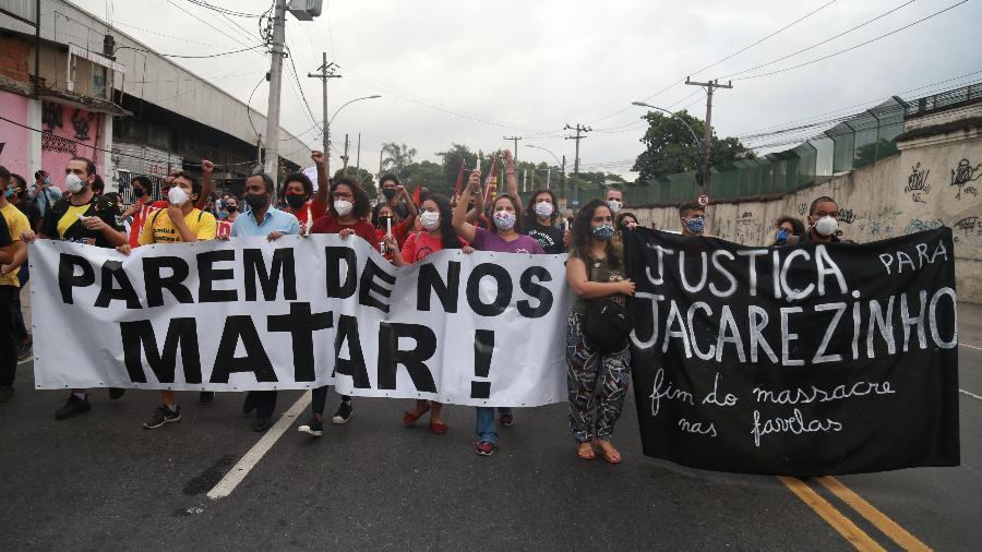 7.mai.2021 - Manifestação em protesto contra a operação da Polícia Civil que deixou 25 mortos no morro do Jacarezinho - Daniel Castelo Branco/Agência O Dia/Estadão Conteúdo