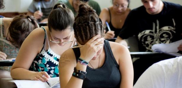 Candidatos fazem prova de português e redação no 1º dia da 2ª fase da Fuvest - Luiz Cláudio Barbosa/Código19/Estadão Conteúdo