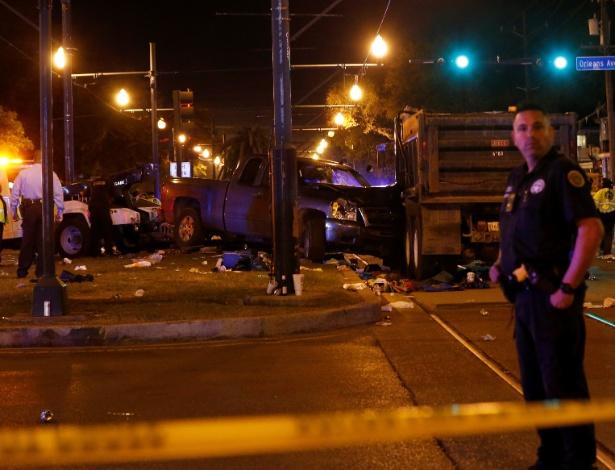 Sobre p canteiro central de avenida, veículo que atropelou uma multidão durante desfile - Shannon Stapleton/Reuters