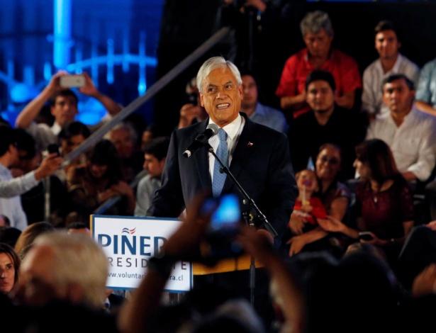 Piñera durante lançamento de sua candidatura em parque no centro de Santiago