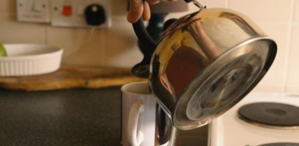 Britânicos adeptos das microdoses de drogas costumam tomá-las com o chá matinal
