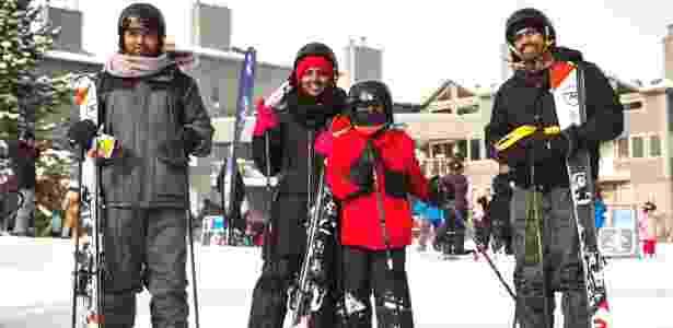 Imigrantes indianos esquiam pela primeira vez, no resort Blue Mountain, em Ontário, no Canadá - Tara Walton/The New York Times - Tara Walton/The New York Times