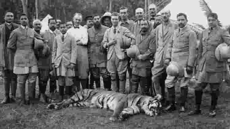 Caça esportiva muitas vezes evoca imagens do passado colonial africano - Getty Images/BBC
