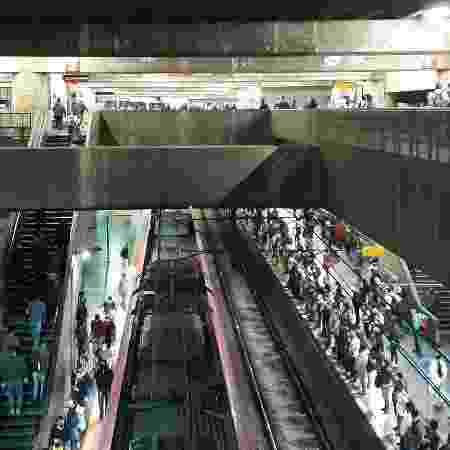 Plataformas 1 e 2 da estação Brás da CPTM registram movimento intenso no primeiro dia de rodízio ampliado em São Paulo - Marcelo Oliveira/UOL - Marcelo Oliveira/UOL