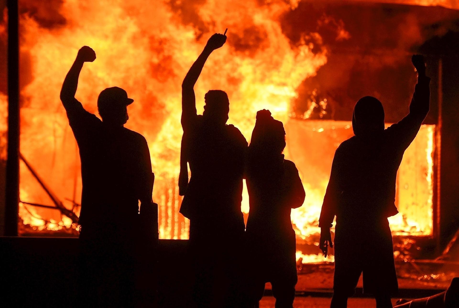 George Floyd: Protestos pela morte de cidadão negro se espalham ...