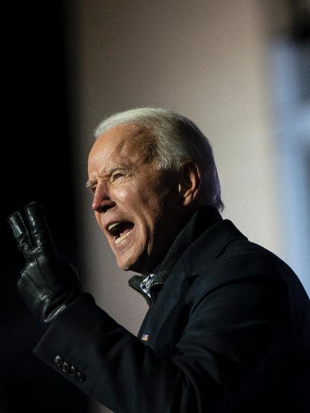 02 nov. 2020 - Joe Biden, candidato Democrata à presidência do EUA, discursa em comício em Pittsburgh, Pensilvânia - Drew Angerer/Getty Images