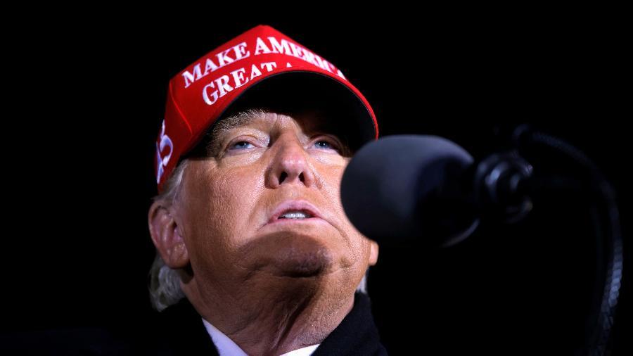 3.nov.2020 - O presidente dos EUA, Donald Trump, em comício em Michigan - Carlos Barria/Reuters