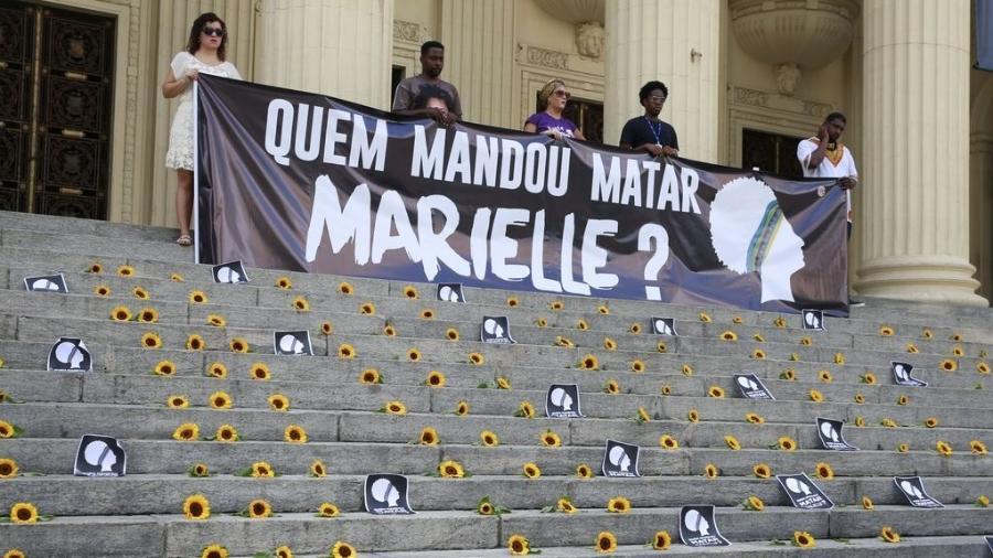 No dia em que o assassinato completou um ano, houve homenagem e protestos contra o fato do crime ainda não ter sido totalmente solucionado - Tomaz Silva/Agência Brasil