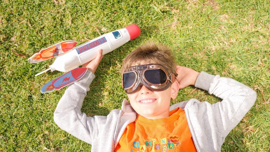 Tempo de brincar é tempo de aprender e se divertir. Veja sugestões de produtos para soltar a imaginação - Kindel Media/Pexels